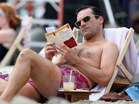 Don Draper reading